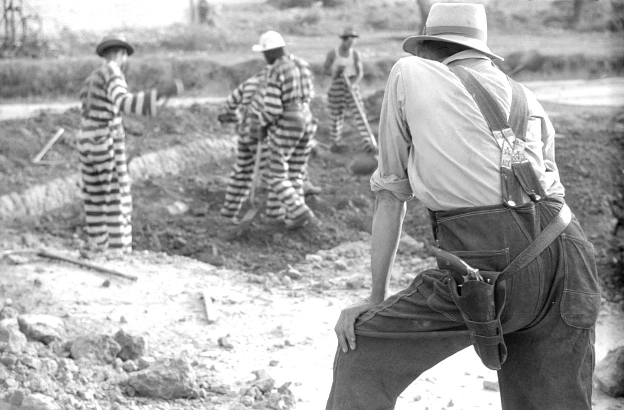 """a comparison of arguments in favor and against chain gangs and convict labor The great american chain gang """"competing against prison labor reduces the number of jobs available in our industry and 'round and 'round the argument."""